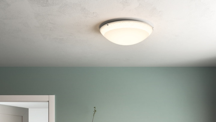 Ceiling light in the bedroom